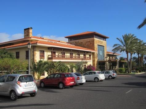 Elba Palace, jonka yhteydessä toimii myös klubi ja proshop.